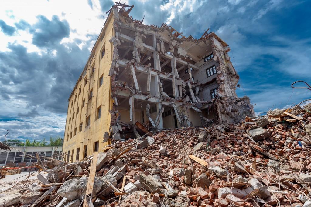 Building demolished after earthquake