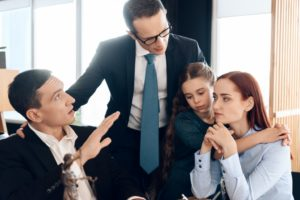 family consulting with a divorce lawyer