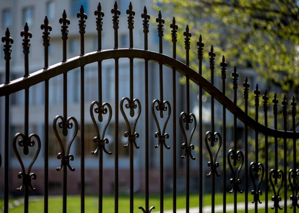 black aluminum decorative fence