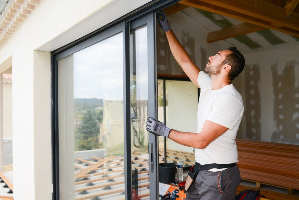 installing sliding windows on a new home
