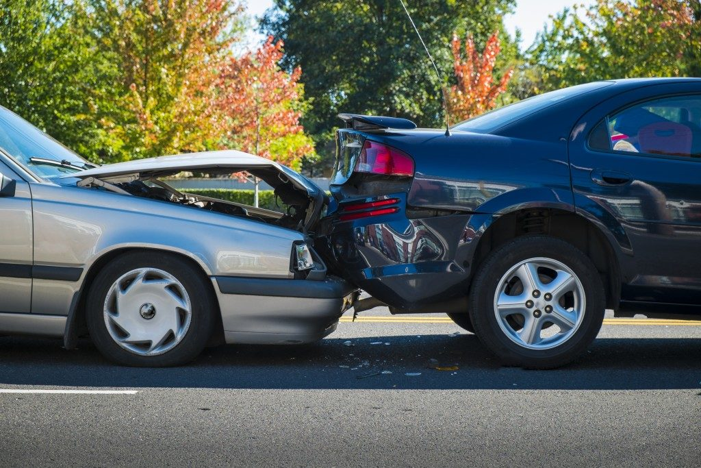 Two cars that crashed