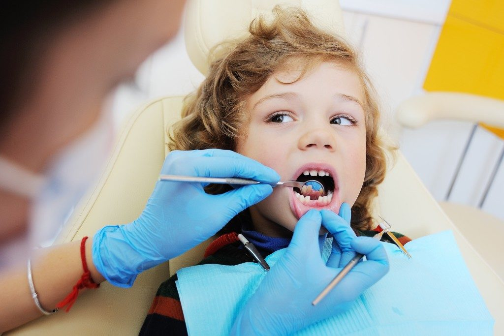 child during a dental appointment