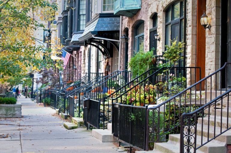 residential street in the city of Chicago