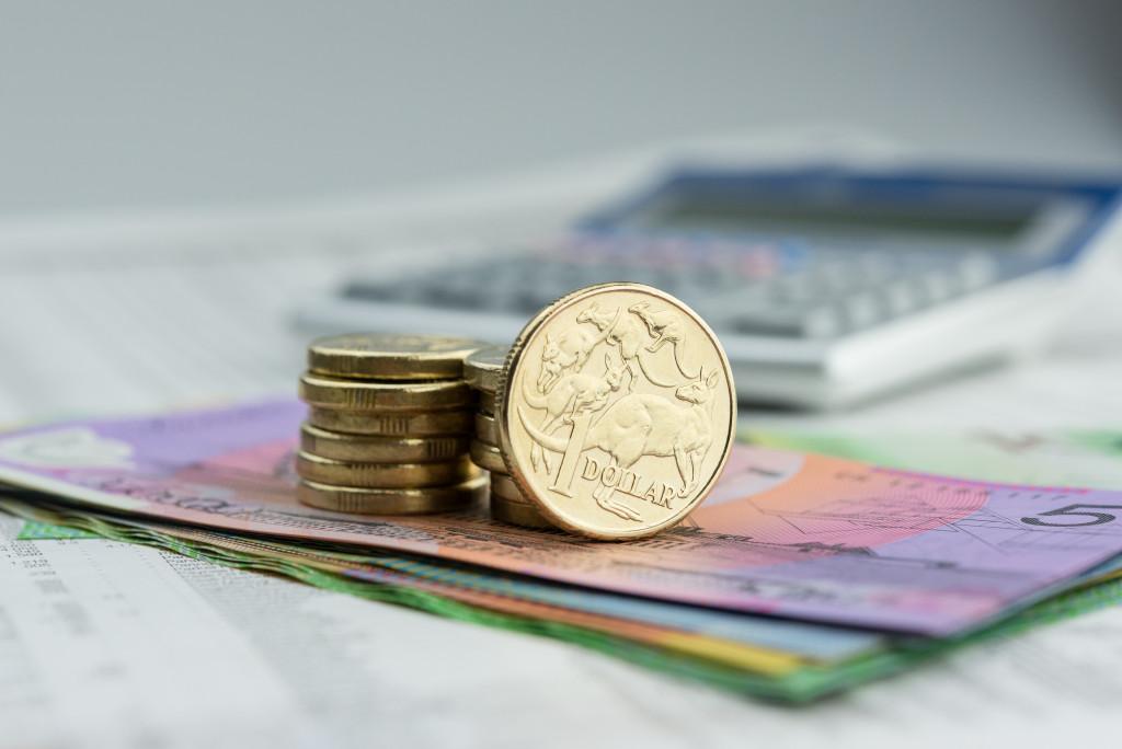 coins on bills